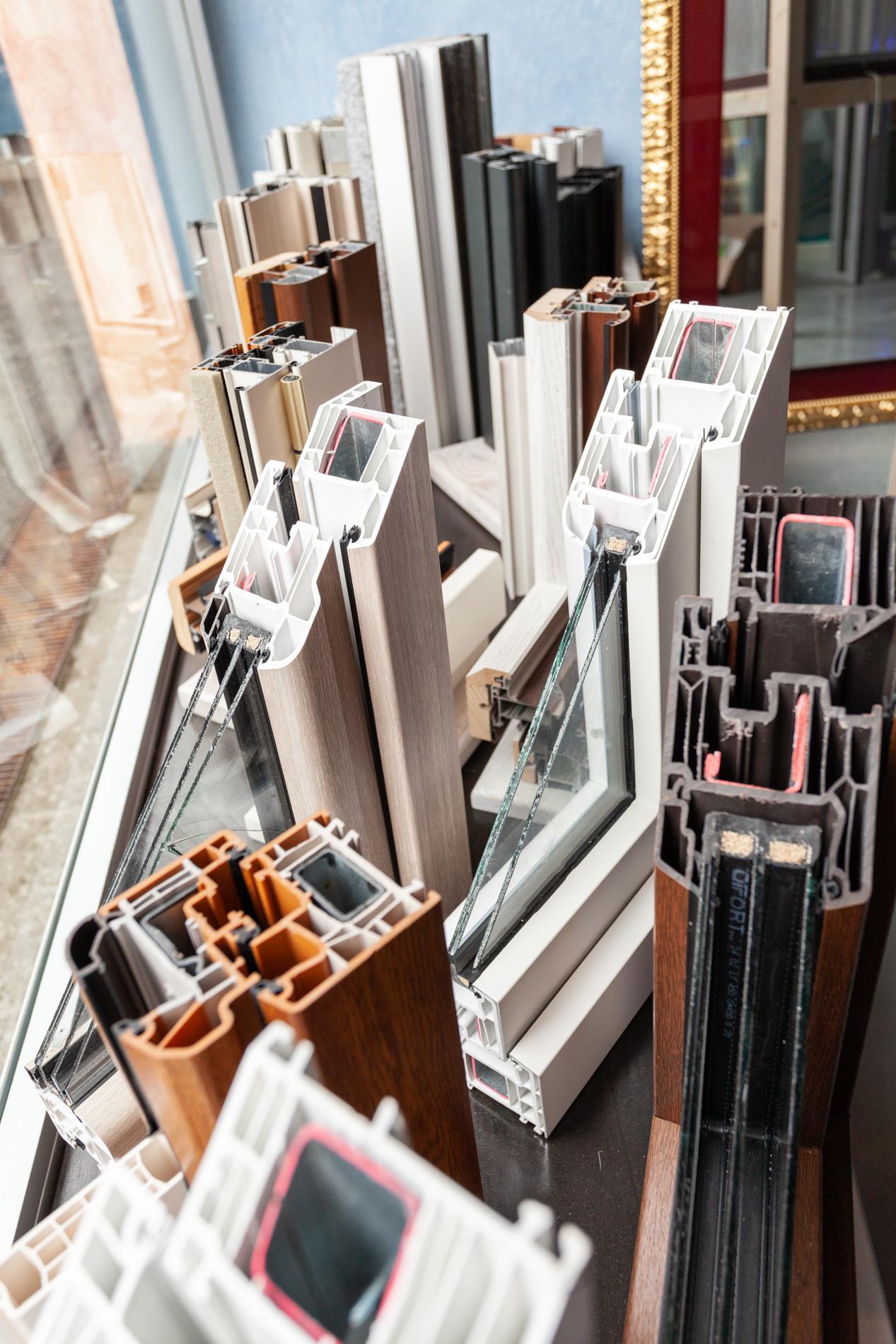 Petrilli - Infissi in alluminio, legno, metallo, PVC